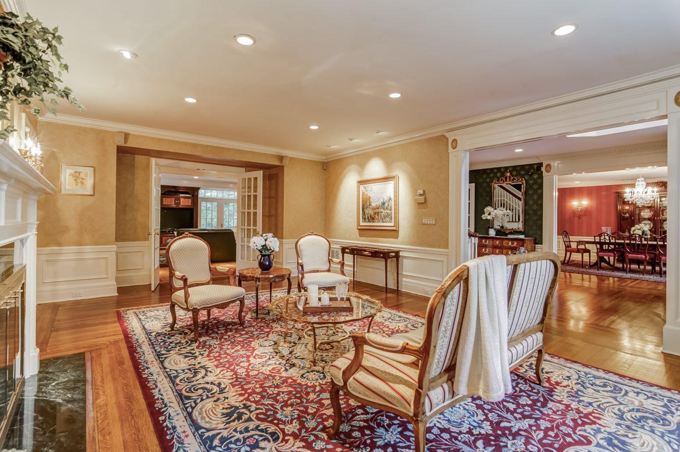 5 – 88 Birch Lane – Living Room