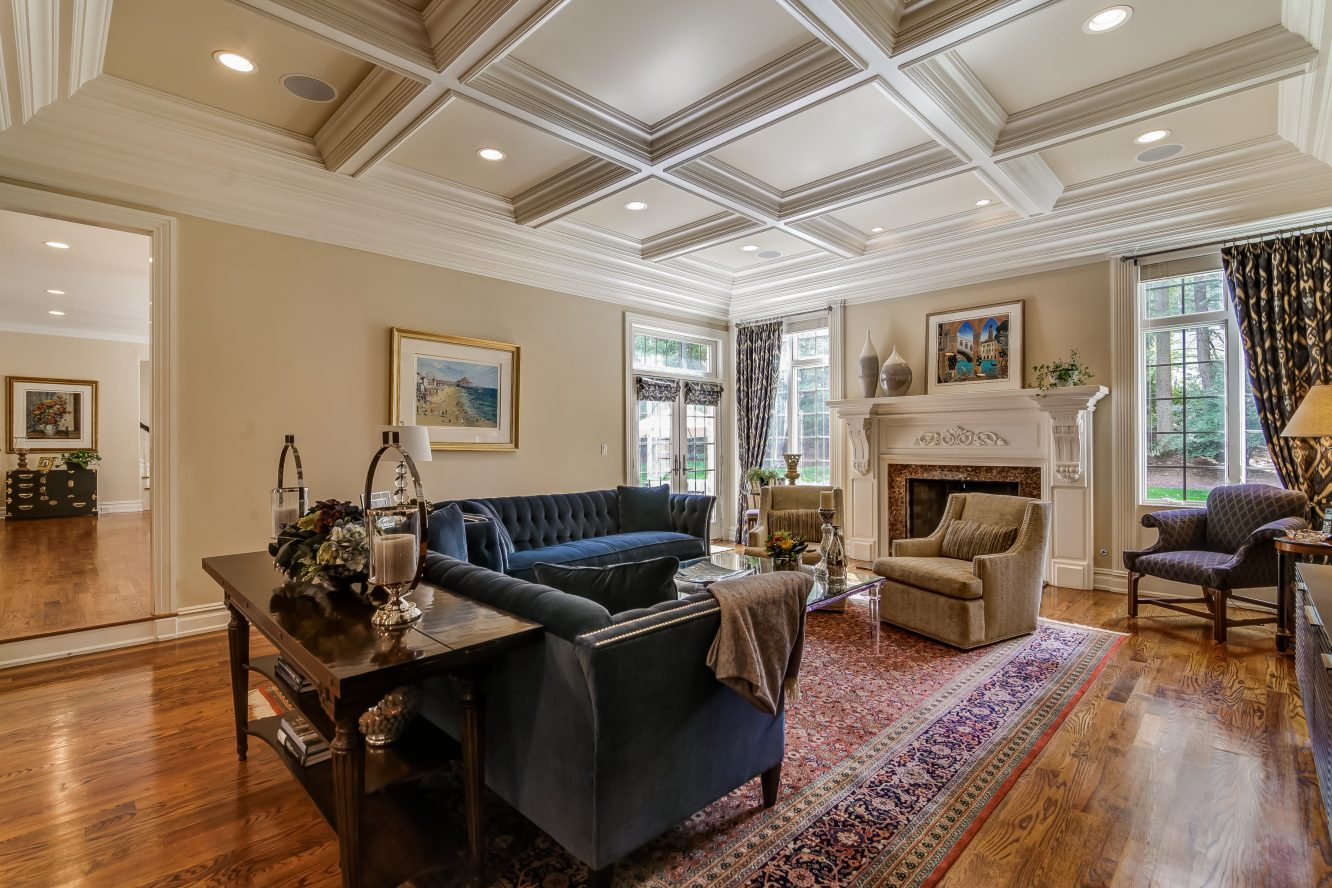 6 – 12 Shirlawn Drive – Family Room