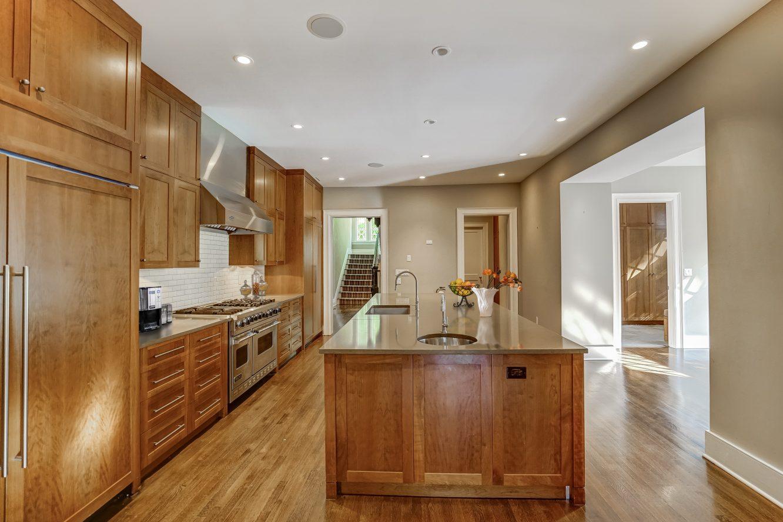 6 – 7 Chestnut Place – Gourmet Eat-in Kitchen