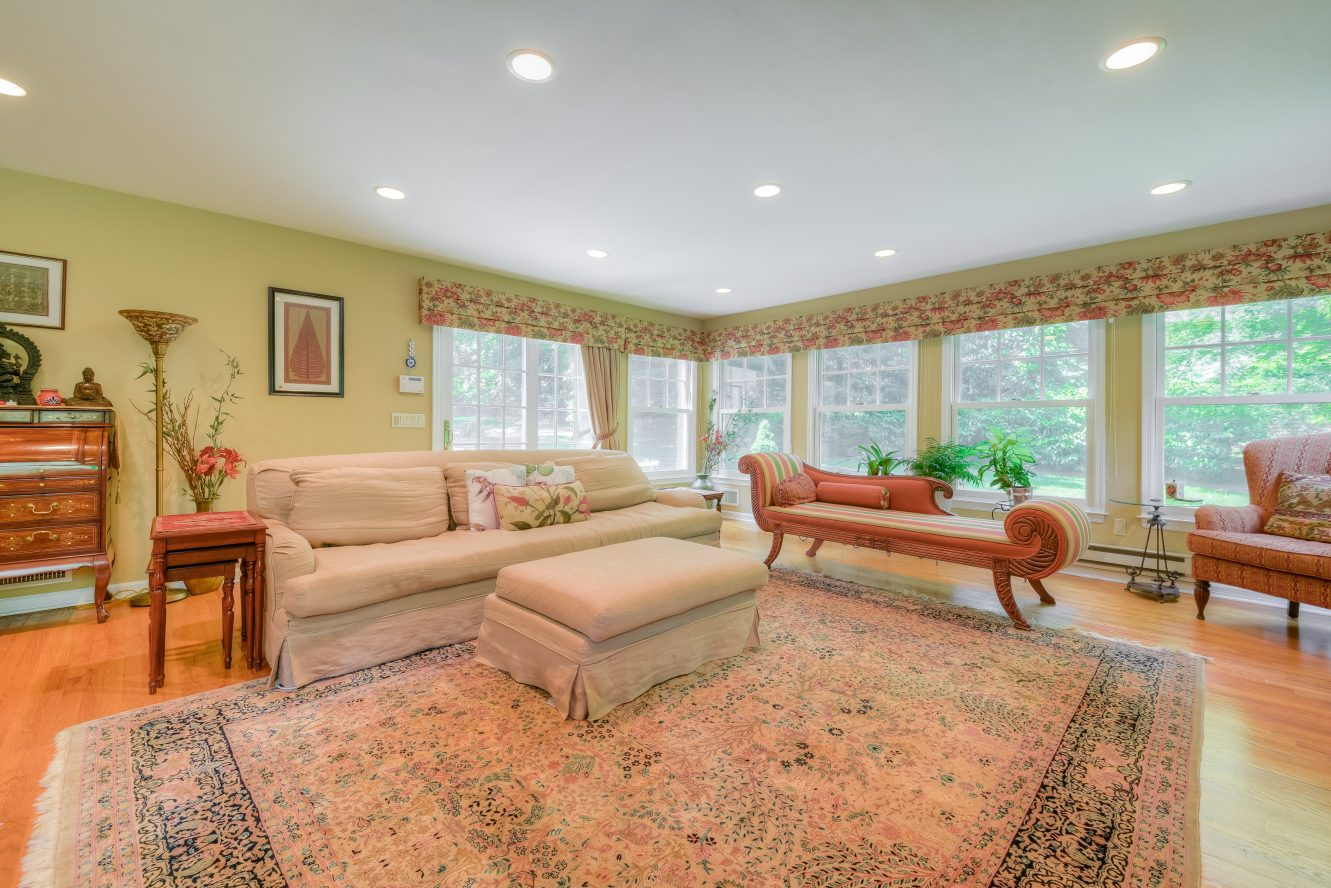 6 – Family Room – 301 Hobart Avenue