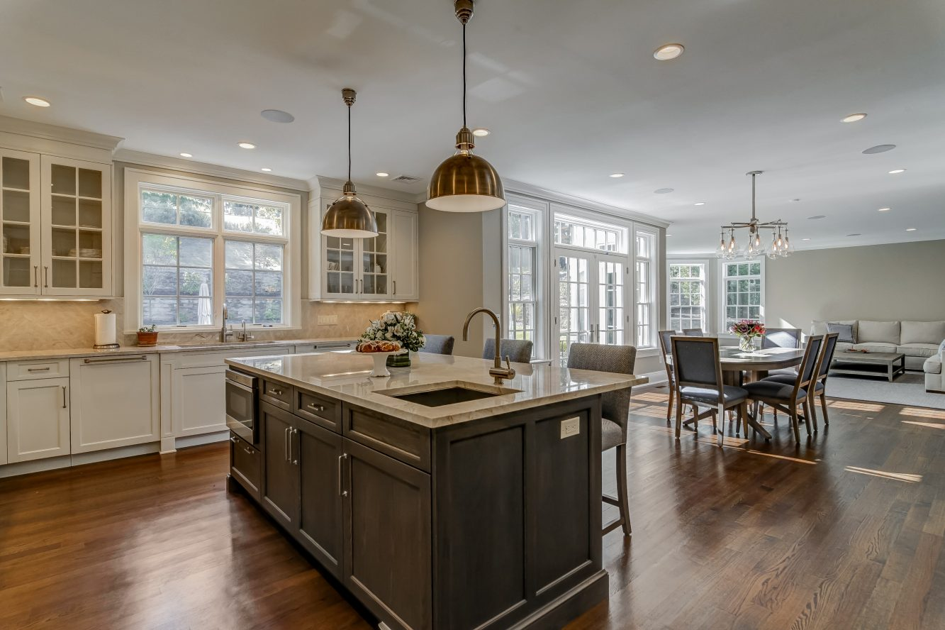 7 – Gourmet Eat-in Kitchen – 20 Troy Drive, Example of Most Recent Project from Builder