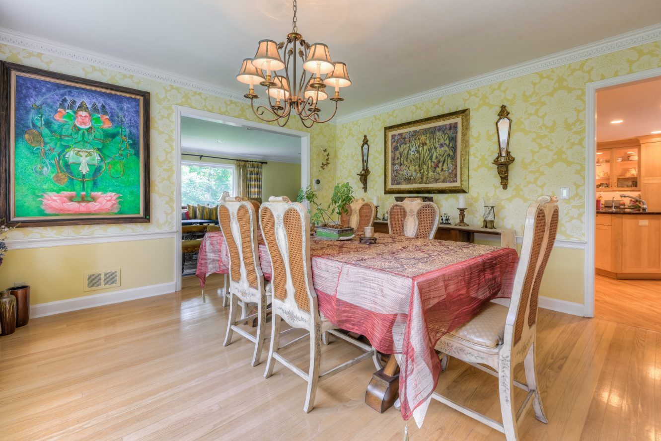 8 – Dining Room – 301 Hobart Avenue