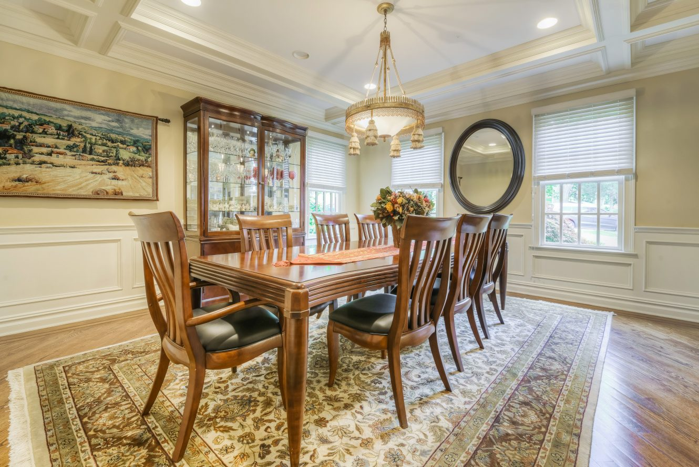 8 – Dining Room – 4 Fox Hill Lane