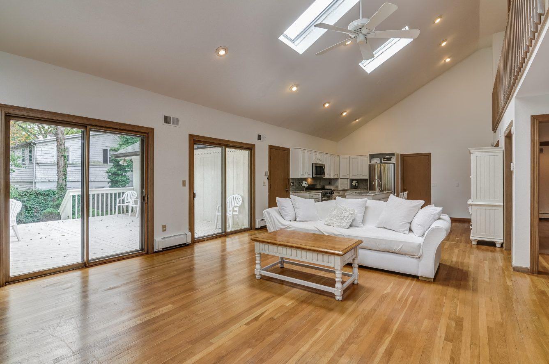 9 – 80 Hillside Avenue – Tremendous Open Floor Plan