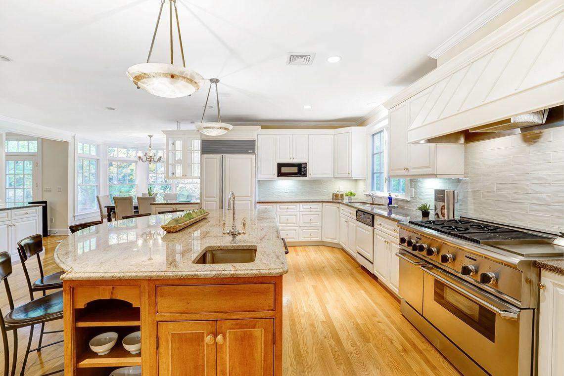 9 – 88 Birch Lane – Gourmet Eat-in Kitchen