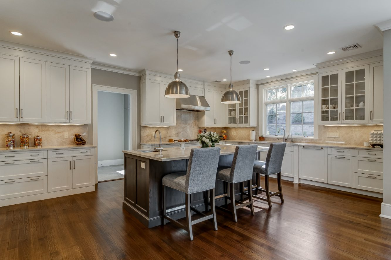 9 – Gourmet Eat-in Kitchen – 20 Troy Drive, Example of Most Recent Project from Builder