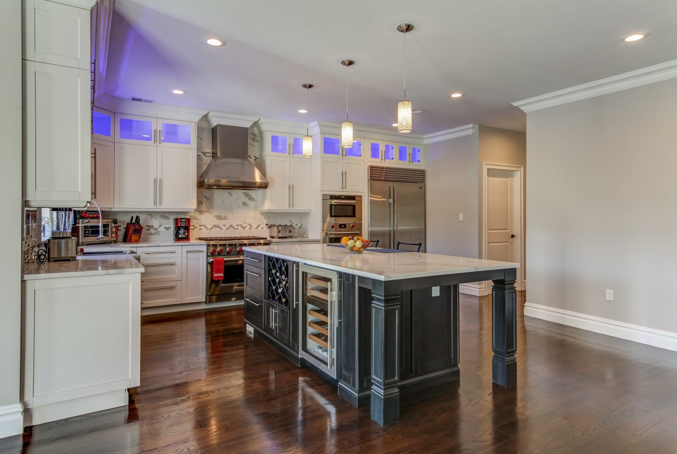 10 – 187 Stirling Road – Gourmet Eat-in Kitchen
