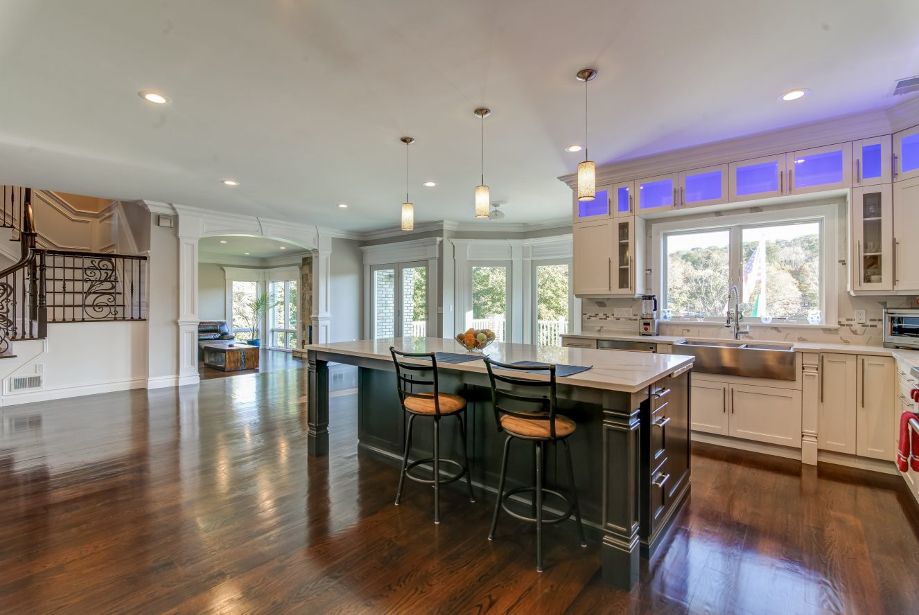 11 – 187 Stirling Road – Gourmet Eat-in Kitchen