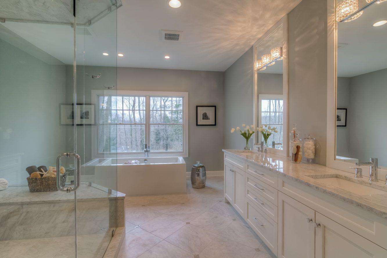 12 – 13 Hillview Terrace – Spa-like Master Bath