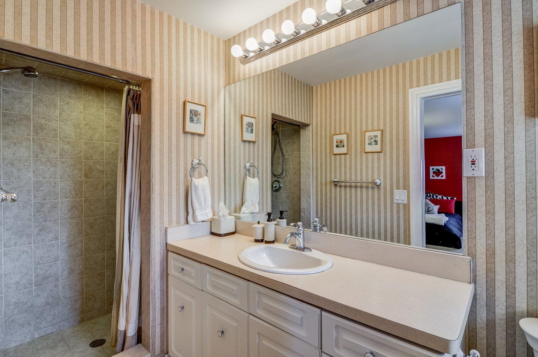 13 – 129 Silver Spring Road – Bedroom 2 En Suite Bath
