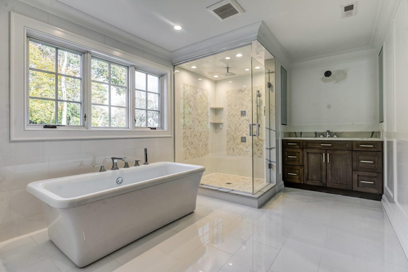 15 – 104 Farley Road – Spa-like Master Bath