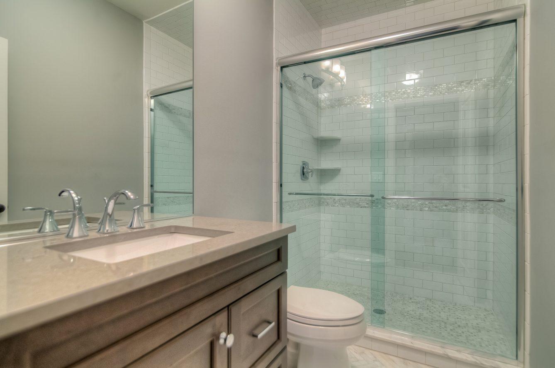 15 – 13 Hillview Terrace – Bedroom 2 En Suite Bath