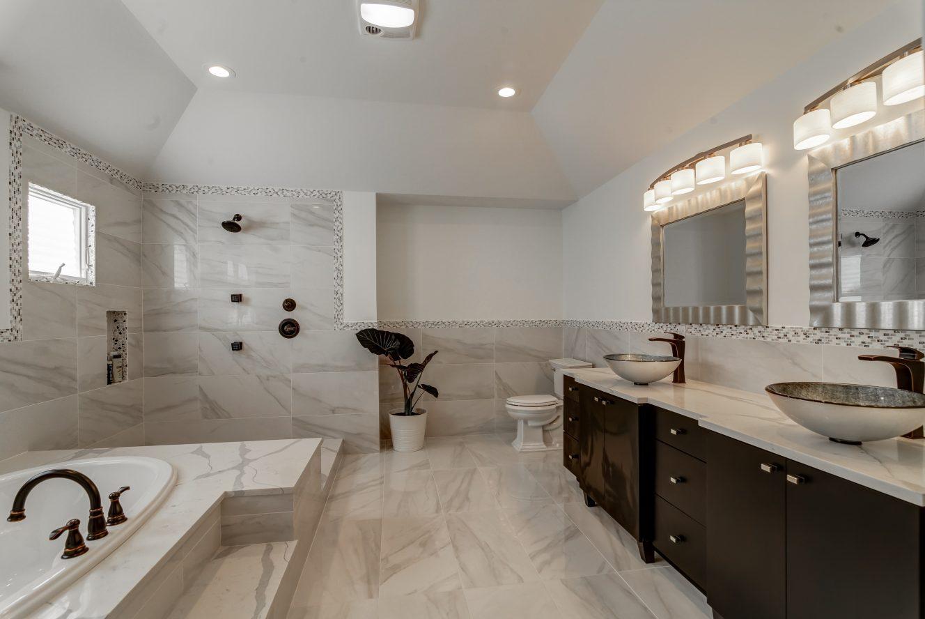 15 – 187 Stirling Road – Spa-like Master Bath