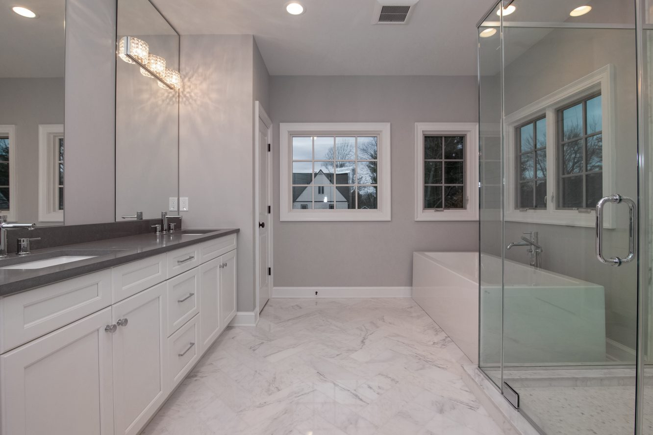 16 – 11 Hillview Terrace – Spa-like Master Bath