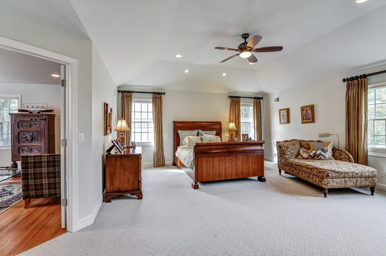 16 – 129 Silver Spring Road – Master Bedroom