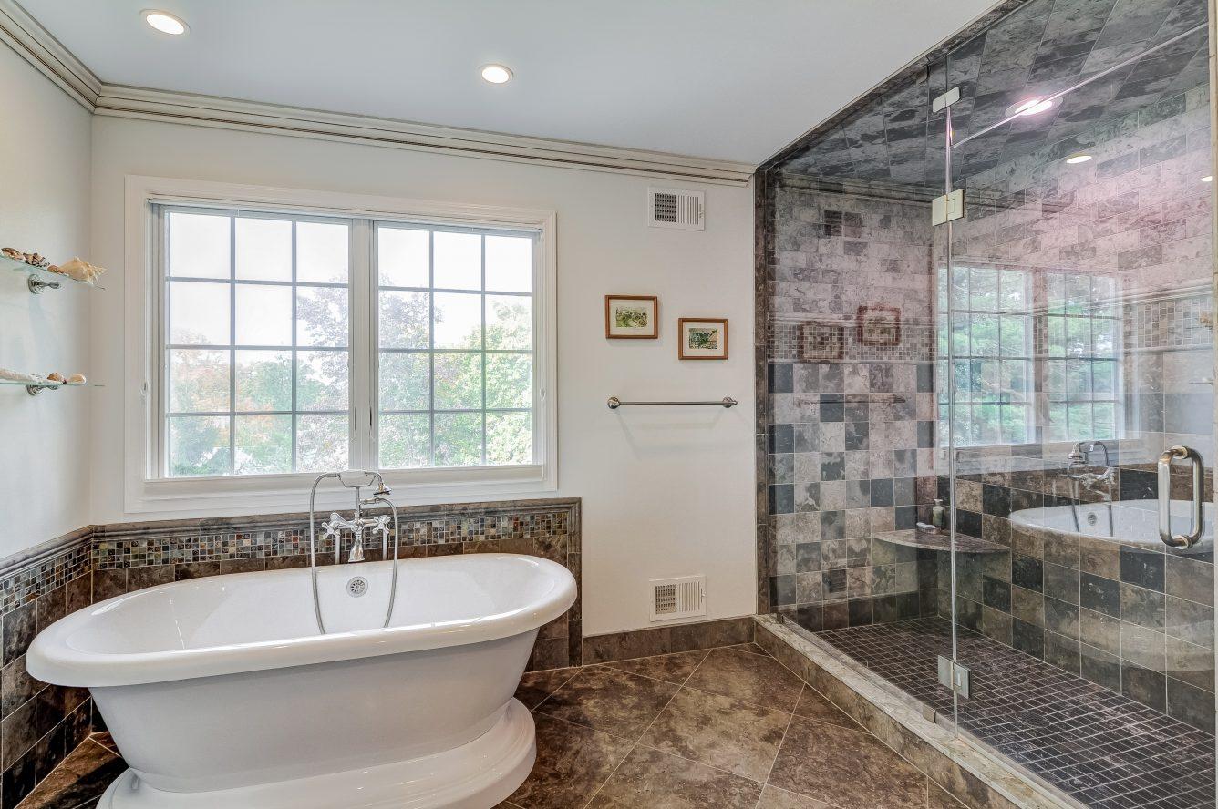 17 – 129 Silver Spring Road – Spa-like Master Bath