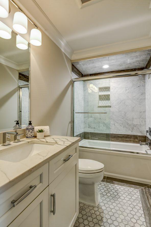 20 – 104 Farley Road – Bedroom 4 En Suite Bath