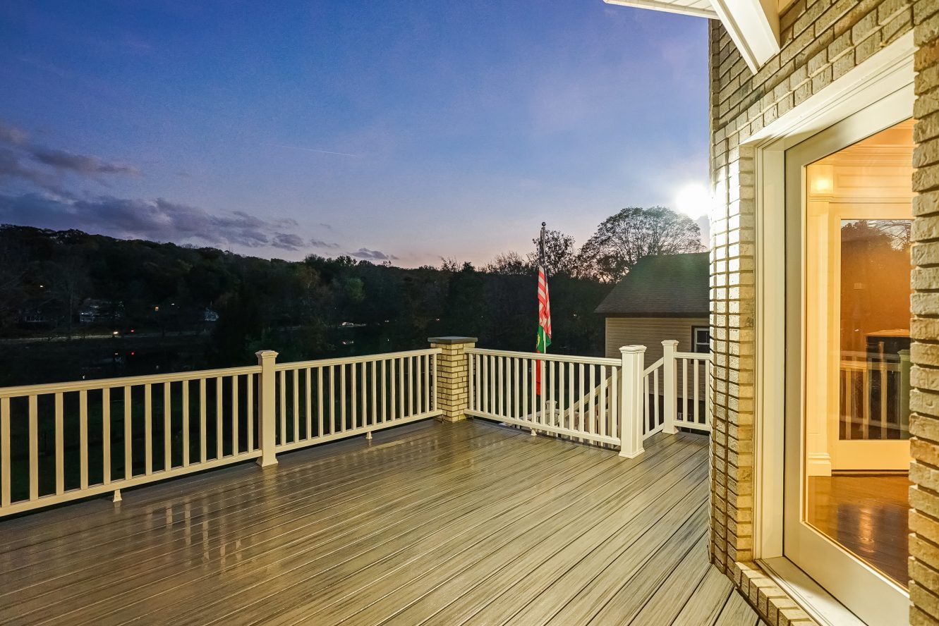 20 – 187 Stirling Road – Beautiful Deck
