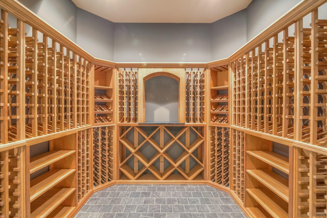 22 – 13 Hillview Terrace – Gorgeous Wine Cellar