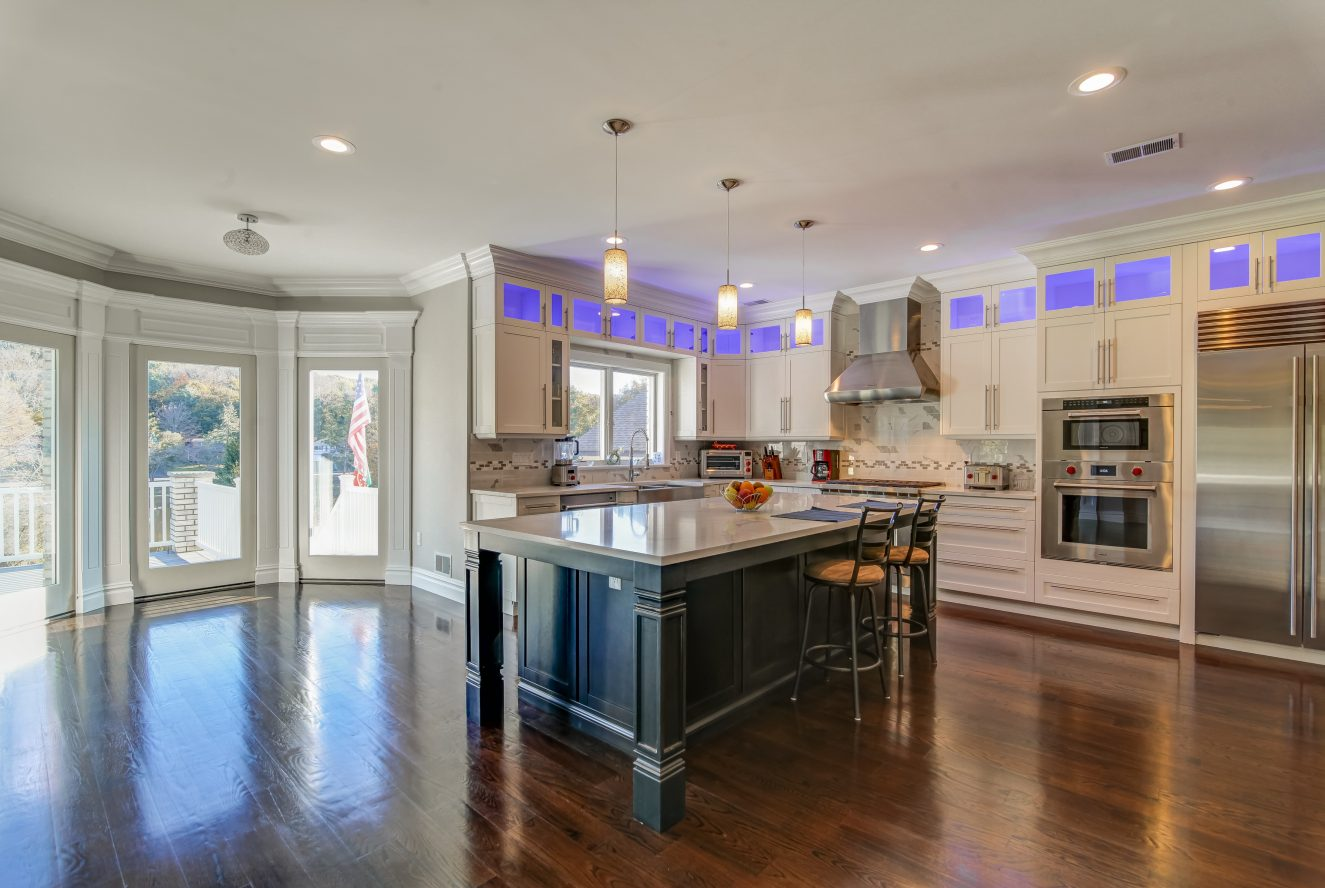 9 – 187 Stirling Road – Gourmet Eat-in Kitchen