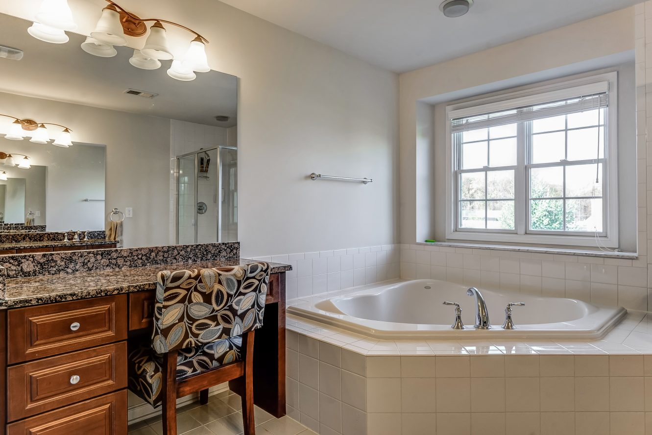 14 – Spa-like Master Bath – 31 Cedar Gate Drive