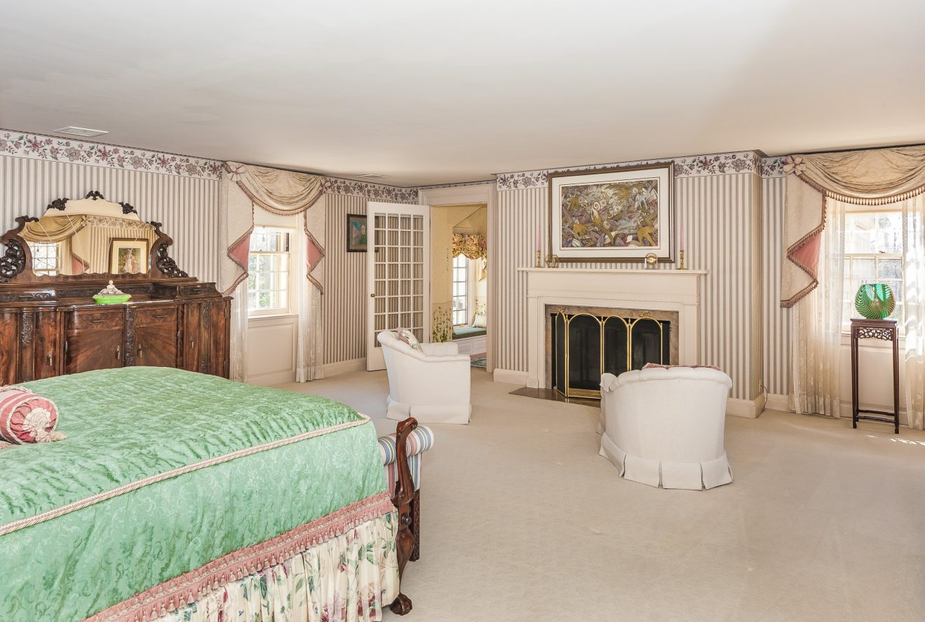 16 – Master Bedroom – 6 Kimball Circle (1)