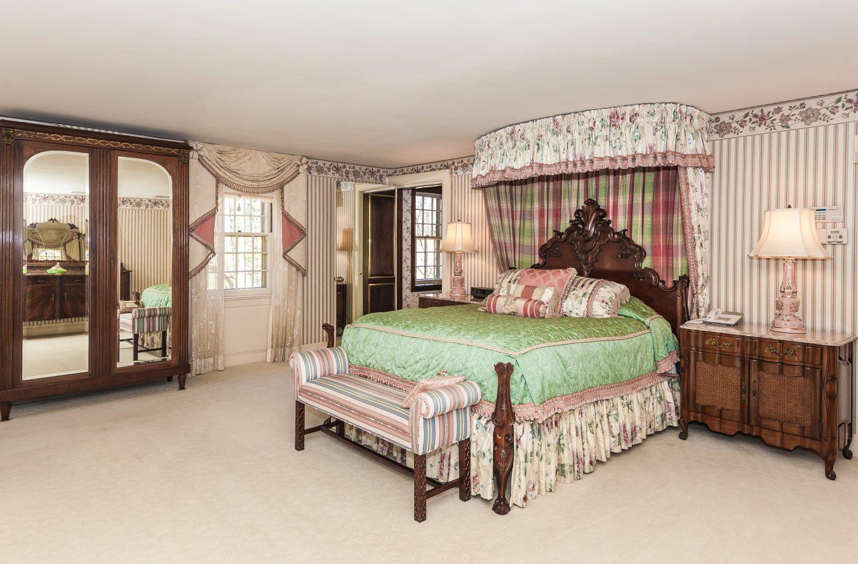 16 – Master Bedroom – 6 Kimball Circle