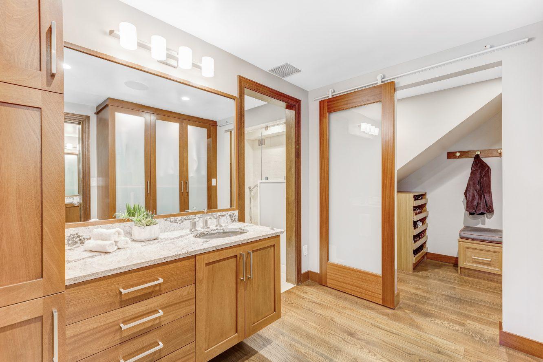 17 – 6 Kimball Circle – Spa-like Master Bath