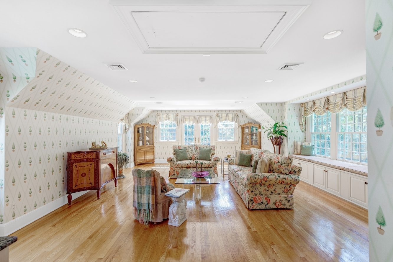 18 – 6 Kimball Circle – Master Sitting Room