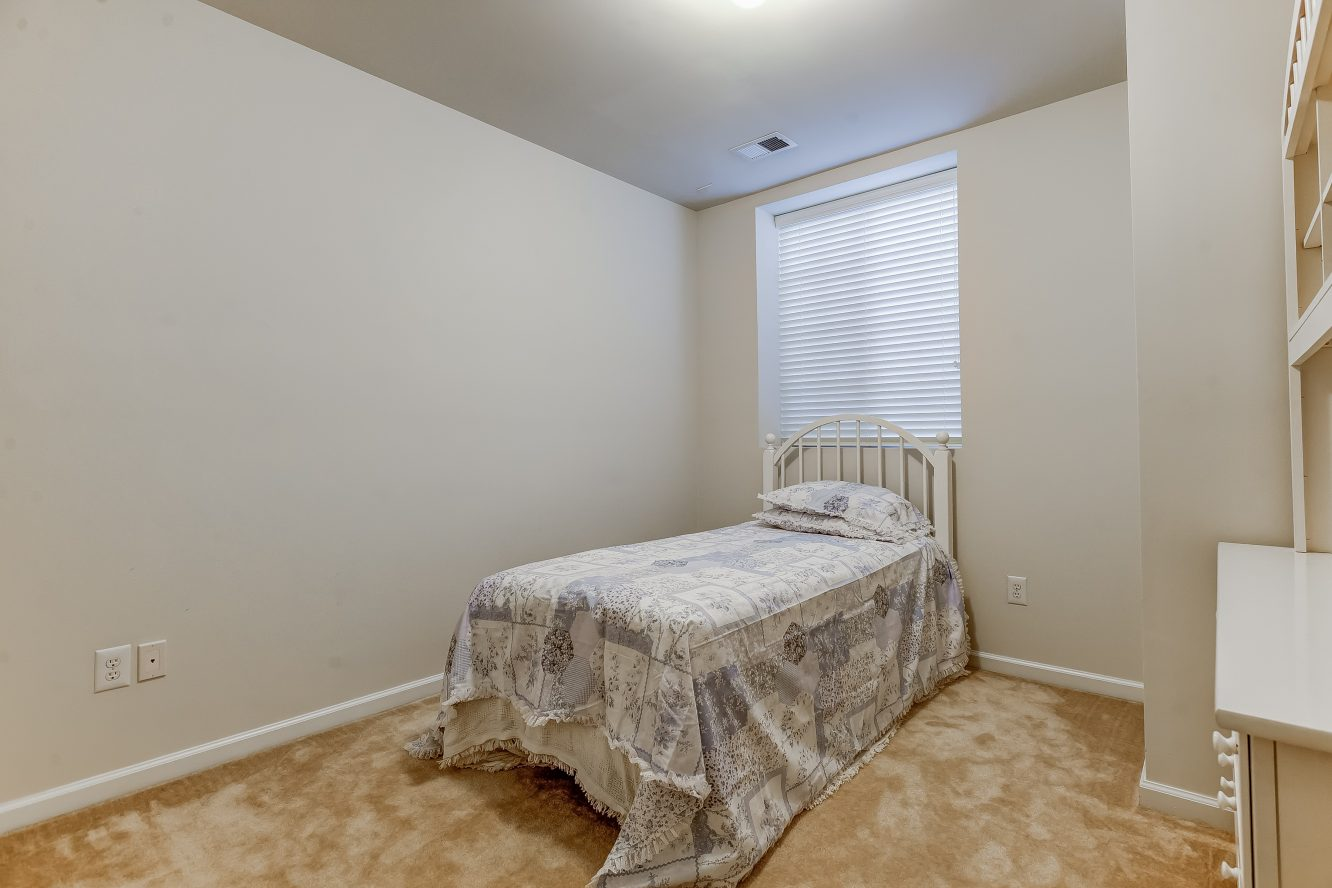 20 – Lower Level Bedroom – 31 Cedar Gate Drive