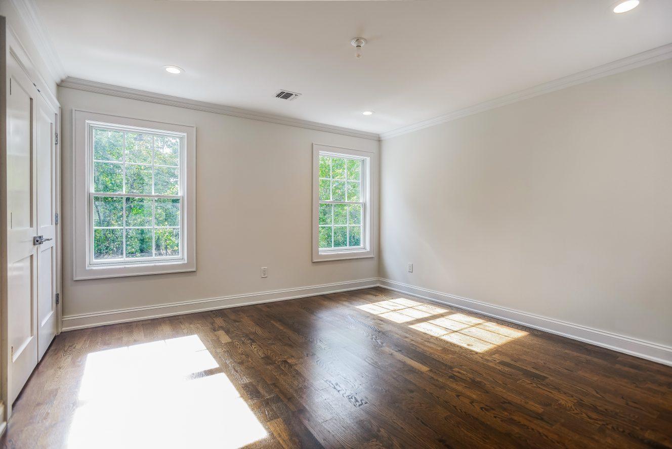 8 – Master Bedroom – 24B Gates Avenue