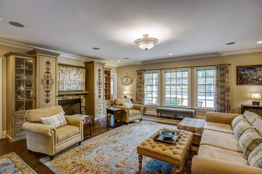 12 – 17 Farbrook Drive – Family Room