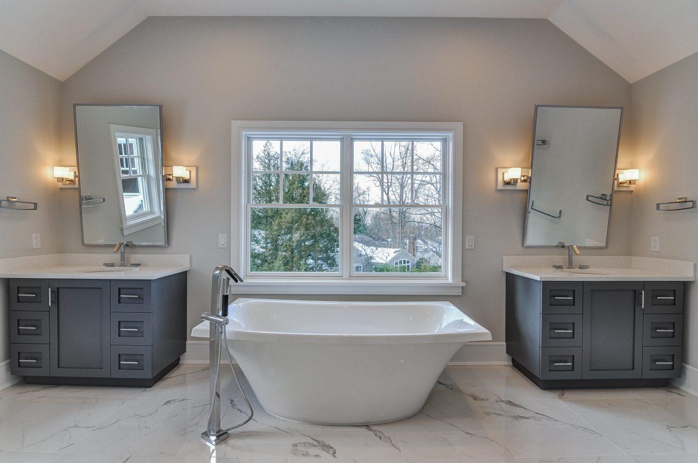 12 – 7 Saratoga Way – Spa-like Master Bath