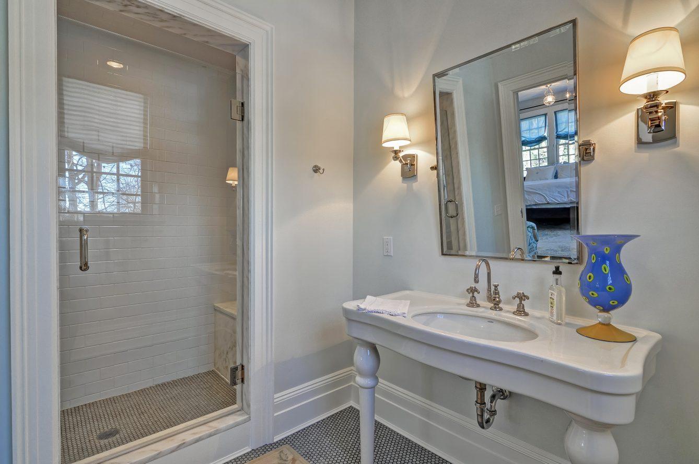 14 – Crest Acre Court – In-law Suite Bath