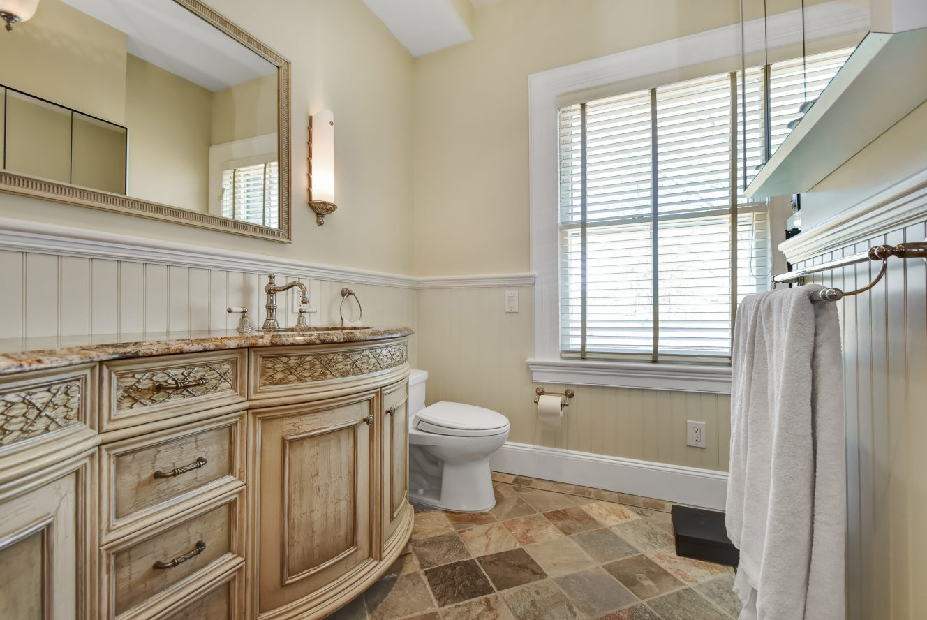 16 – 85 Stewart Road – Spa-like Master Bath