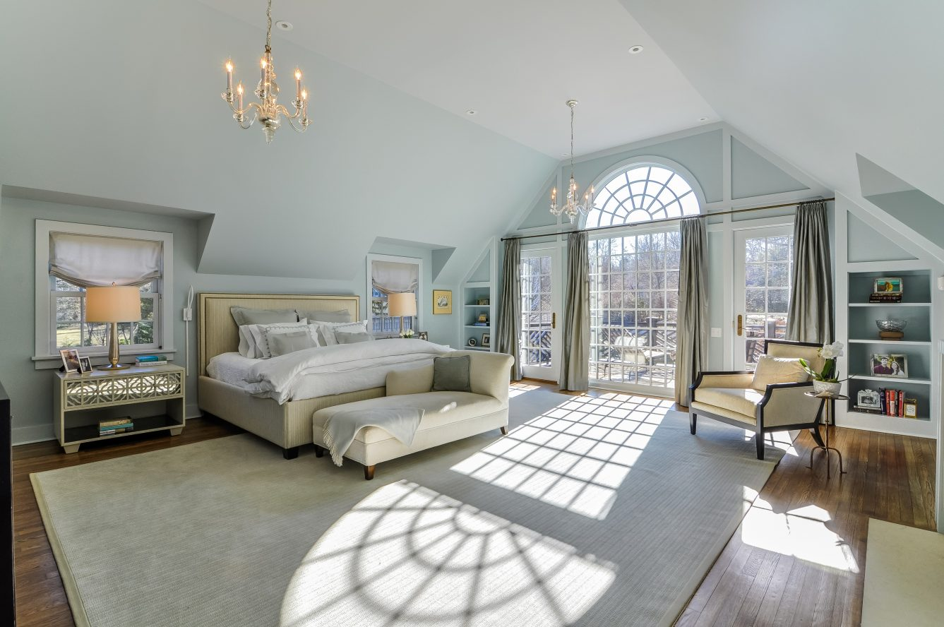 16 – Crest Acre Court – Luxurious Master Bedroom
