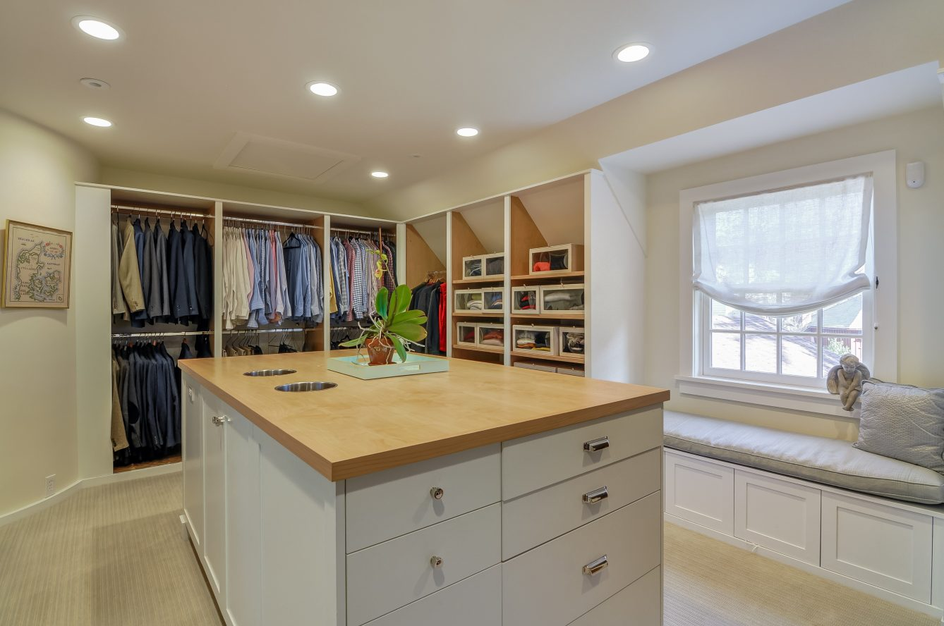 18 – Crest Acre Court – Master Walk-in Closet