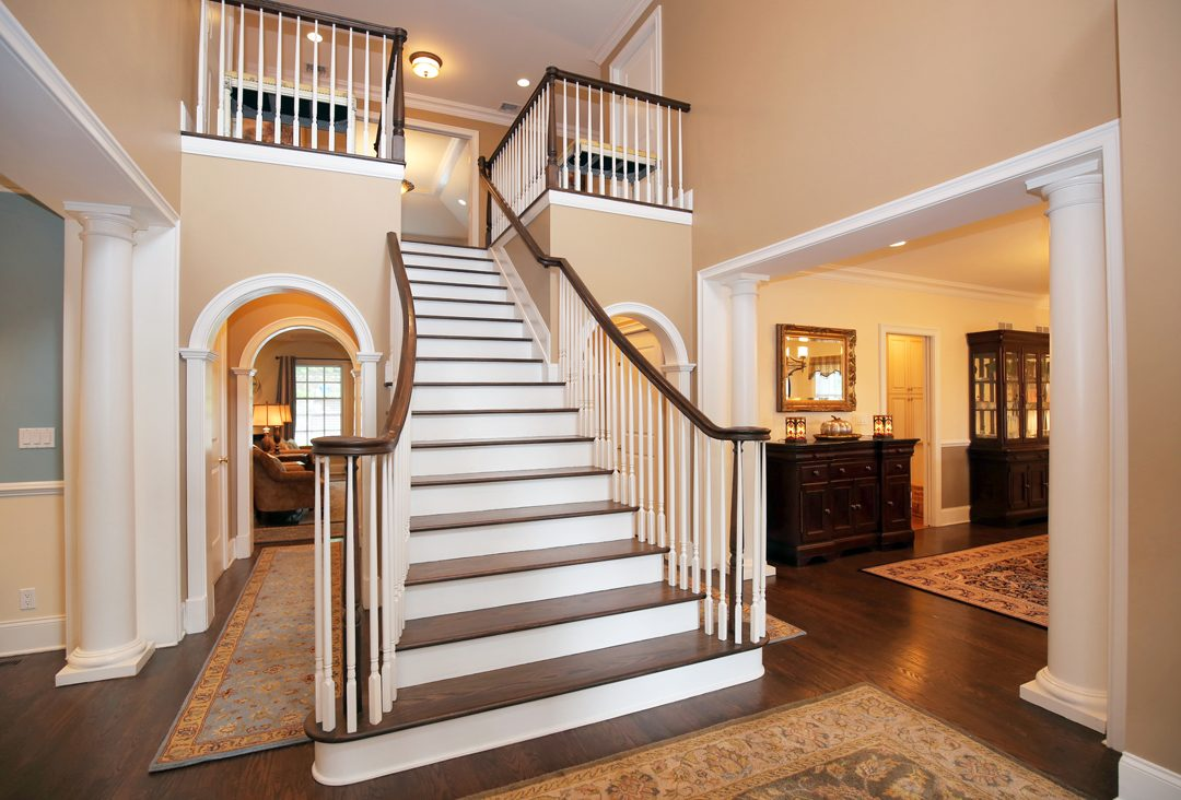 4 – 17 Farbrook Drive – Grand Entrance Hall