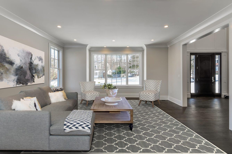 8 – 7 Saratoga Way – Living Room