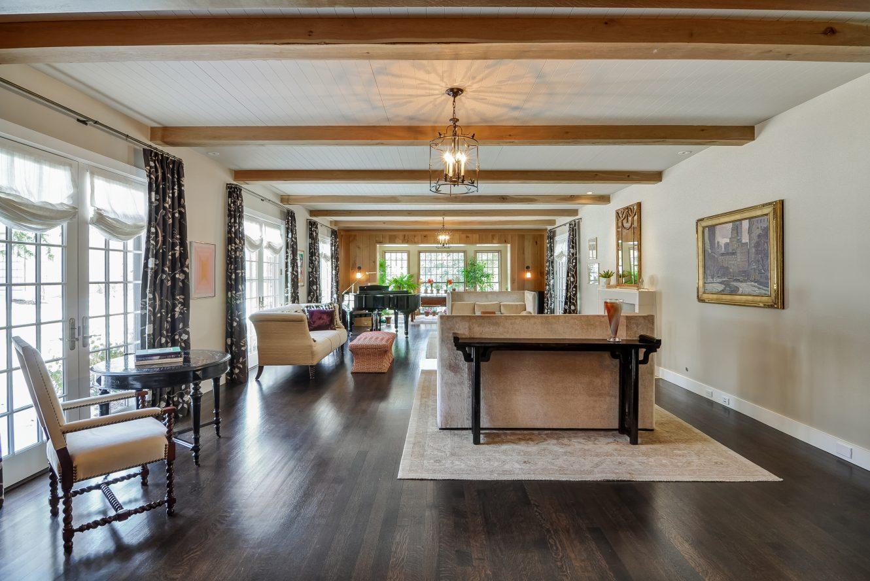 9 – Crest Acre Court – Living Room