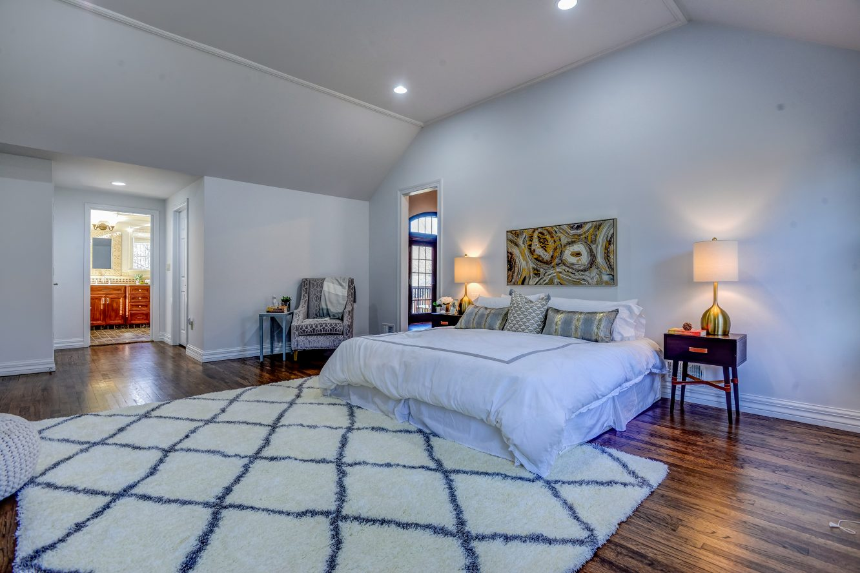 13 – 443 Long Hill Drive – Master Bedroom