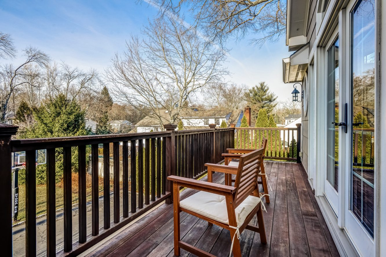 17 – 443 Long Hill Drive – Incredible Master Balcony