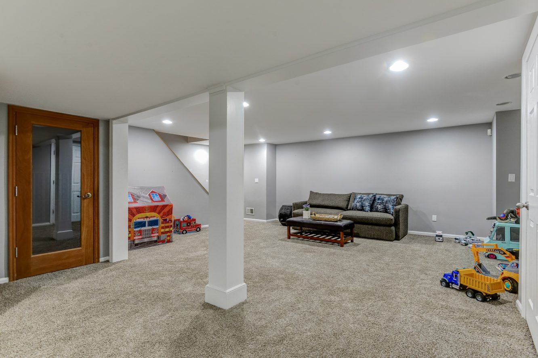 20 – 443 Long Hill Drive – Recreation Room