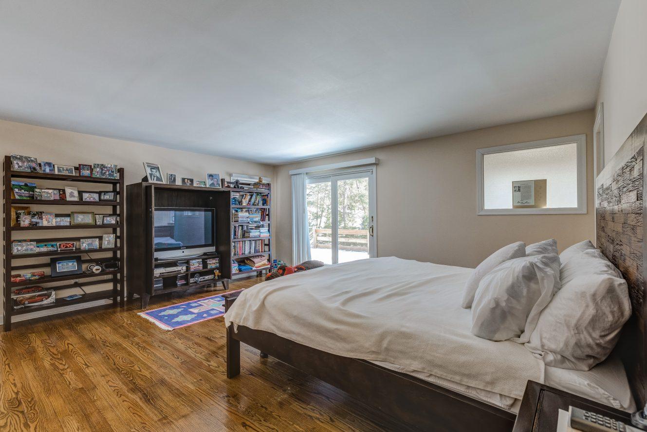 13 – 44 Slope Drive – Master Bedroom