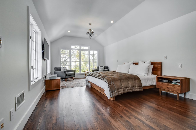 15 – 75 Minnisink Road – Master Bedroom