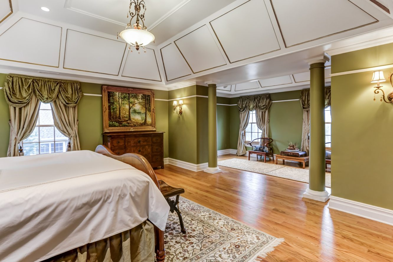 17 – 236 Long Hill Drive – Master Bedroom