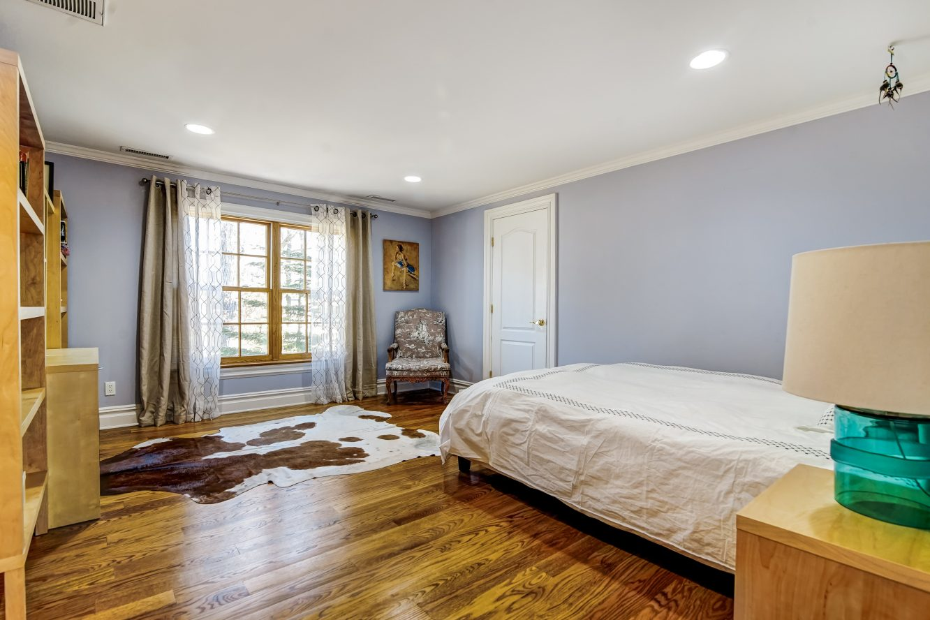 20 – 236 Long Hill Drive – Bedroom