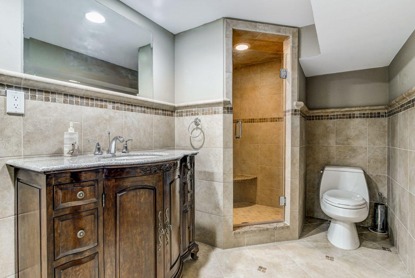23 – 236 Long Hill Drive – Lower Level Bath