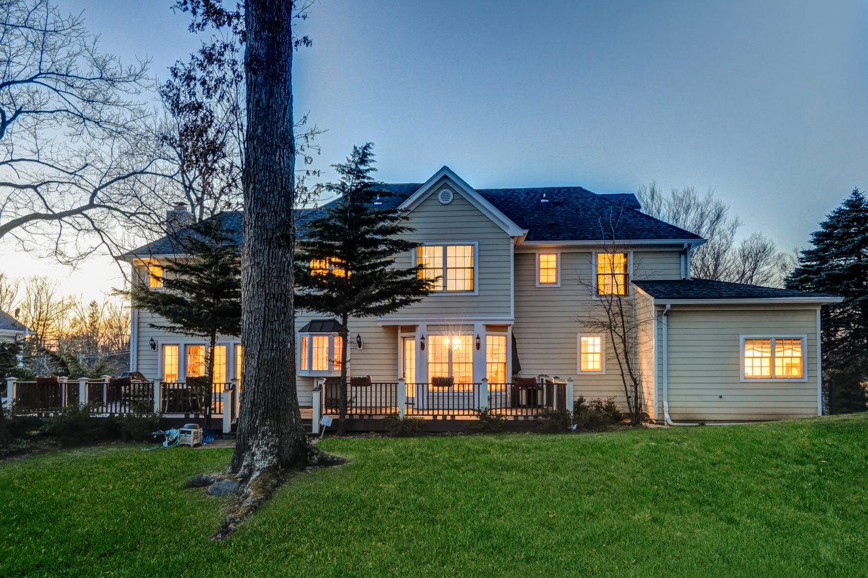 25 – 236 Long Hill Drive – Gorgeous Backyard