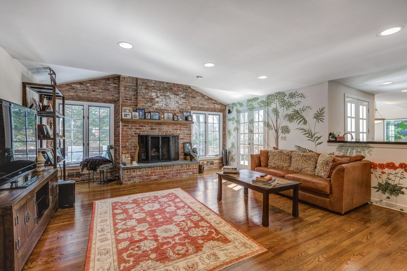 5 – 44 Slope Drive – Family Room